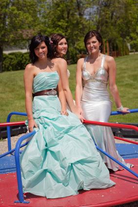 Klassiska hellånga balklänningar