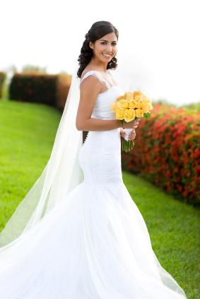 Billig brudklänning