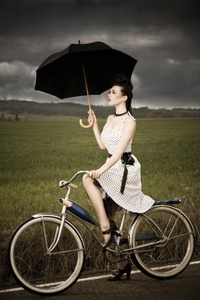 Prickig klänning retro