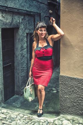 Röd rockabillyklänning